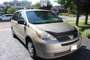2005 Toyota Sienna CE Minivan, Van