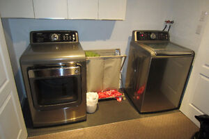 Washer/Dryer SAMSUNG 5.4cu.ft.high efficiency.1 year Warranty.