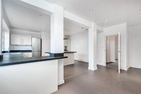 An impressive top floor 2 double bedroom, openplan apartment!!