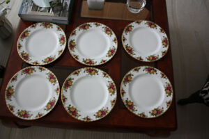 12 ROYAL ALBERT  Old  Country Roses