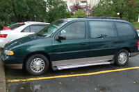 1995 Ford Windstar,  fourgonnette VENTE  IMMEDIATE