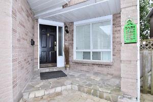 3 bedroom detached house in Pickering  ( 401/Brock rd)