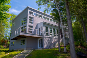 LARGE EASTERN ONTARIO COTTAGE AVAILABLE THIS FALL AND WINTER