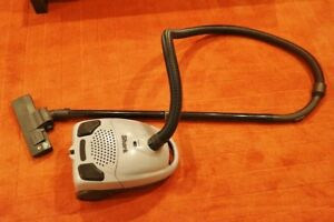 Shark Quick Clean Canister Vacuum Cleaner...Gently Used