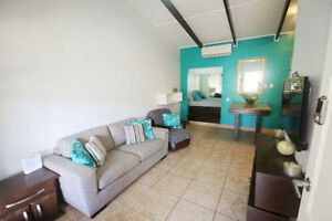 Cute Condo 1 block from the ocean (sleeps up to 5) Costa Rica