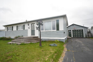 NEW LISTING!! 410 Murphy Cres