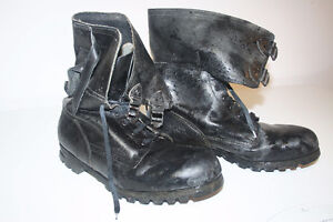 Army Boots, Bottes d'armee, Cuir Veritable, Real leather