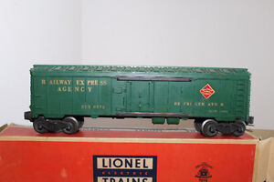 LIONEL TRAINS ROLLING STOCK