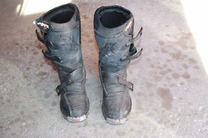 size 6 dirtbike boots London Ontario image 1