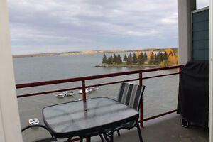 1 year lease signing bonus - Furnished Suite on the Lake!