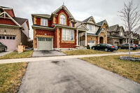 Detach House For Lease in Milton