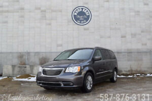 2016 CHRYSLER TOWN AND COUNTRY VAN