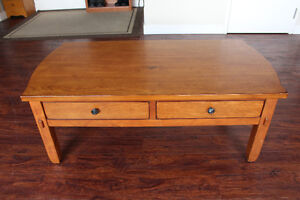 Broyhill Wood Coffee Table / Kneeling Desk With Large Drawers Peterborough Peterborough Area image 3