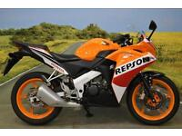 Honda CBR125 R 2015 ** DIGITAL DISPLAY, REPSOL RACE COLOUR SCHEME **