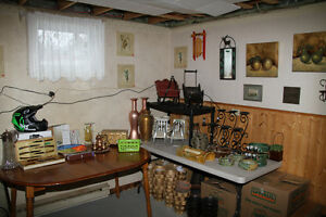 Lots of kitchen and dining ware items