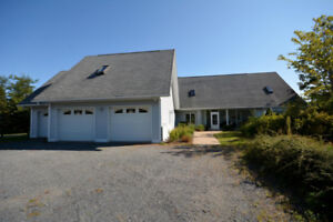 HOUSE FOR SALE - LAKE FRONTAGE