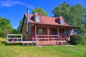 Four Season Private Cottage near Holiday Valley & More !