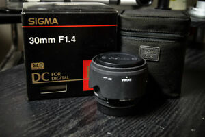Sigma 30mm 1.4 EX DC lens for Pentax
