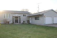 Excellent Renovated Home in Whitemouth - Gateway to Whiteshell!