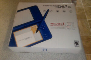 Nintendo DS XL and Travel kit *** NEVER USED