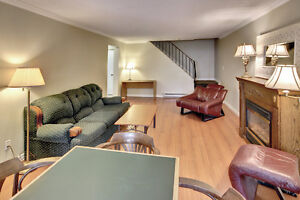 Very Large Home, Steps from Western, Utilities Included