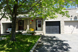 Ancaster Freehold Townhouse