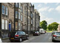 5 bedroom flat in Warrender Park Crescent, Marchmont, Edinburgh, EH9 1DX