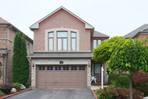 Richmond Hill Bayview & Hwy 7 Beautiful Detached House for Rent
