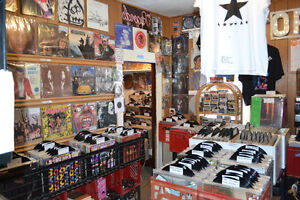RECORDS! CDs! TAPES!  AFFORDABLE TURNTABLES! RECEIVERS! SPEAKERS Windsor Region Ontario image 8