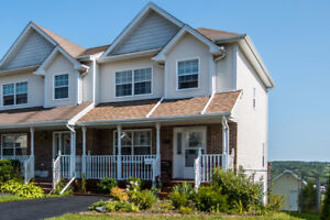 Beautiful End Unit Townhouse in Dartmouth! Fenced Yard!