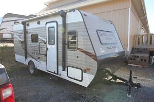 ISO - Light travel trailer with bunks