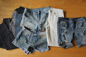 Teen clothes, great condition size s/xs aeropostale, holster....