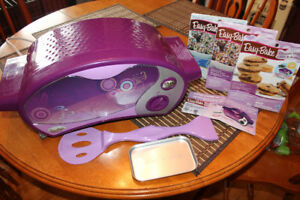Easy-Bake Oven in purple