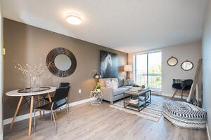 Great Bedroom in Amazing Apartment 30 Seconds to Fanshawe