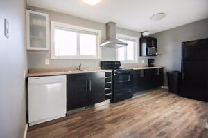YOUR SEARCH STOPS HERE. FULLY LOADED 3 BEDROOM MAIN FLOOR Edmonton Edmonton Area image 3