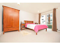 Lovely double room in Stane Grove, Clapham North