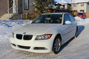 Beautiful reliable 2007 BMW 3-Series 328xi Sedan - MUST GO