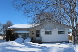 Immaculate and Solid 4 Bedroom Bungalow in Westwood