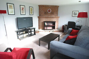 IR PERSONS WELCOME. CONTEMPORARY FURNISHED WEST END ONE BEDROOM