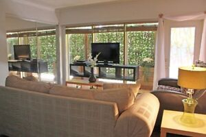 Gorgeous Fully Furnished Executive 1 Bdrm Suite - Oct. 1st
