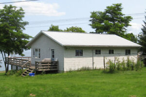 Vacation cottage located near Picton, ON