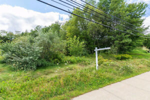 FANTASTIC OPPORTUNITY - R2 ZONED BUILDING LOT ON SACKVILLE DRIVE