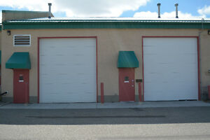1000 sqft - Light Industrial Bay for Lease - Next to Airport