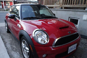 2009 MINI Cooper S -Extra Set of Winter Tires on Rims