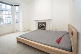 *AVAILABLE FOR SHORT LET ALSO* One Bedroom Flat Shepherds Bush W12 Zone 2