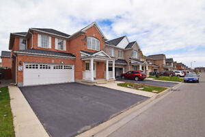 4 bedroom Detached in Castlemore Area