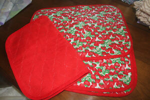 6 NEW Handmade Strawberry Pattern Placemats (reversible to red)