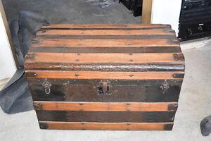 coffre antique décoratif pour rangement