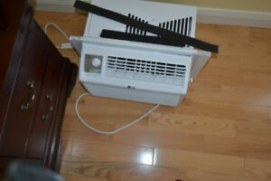 LG AIR CONDITIONER WINDOW MOUNTED 5000 btu