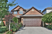 Stunning 4 Bedroom Detached Home in Waterdown